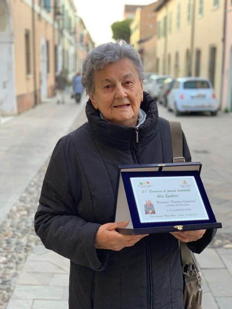 Castel Bolognese, la poetessa Maria Landi si aggiudica il concorso dedicato a Tonino Guerra