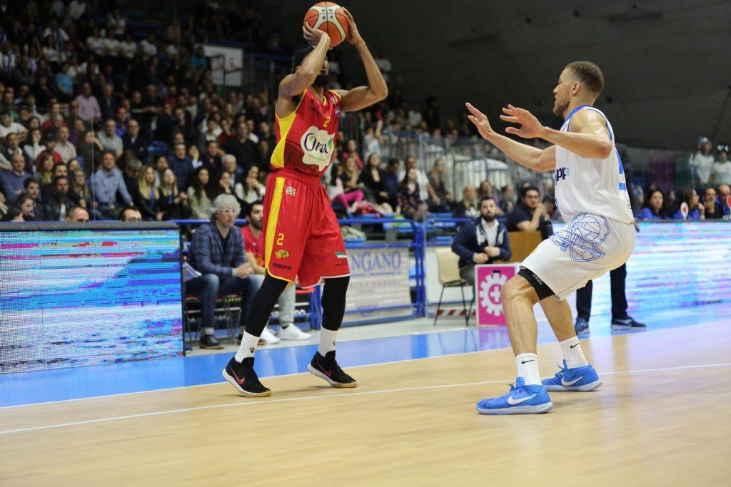 Basket, sconfitta in gara 1 per Ravenna ngli ottavi di finale dei playoff
