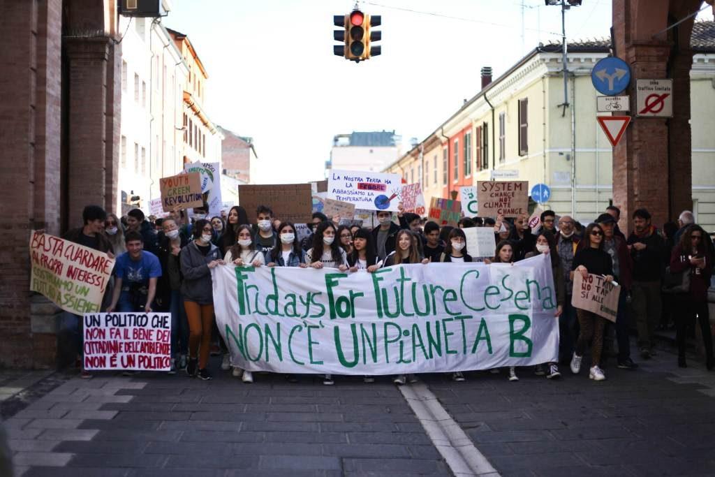 A Cesena gli studenti protestano ancora per il Fridays for future