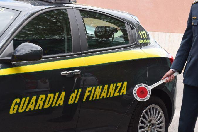 Ravenna, la Gdf trova quattro lavoratori in nero in un fast food