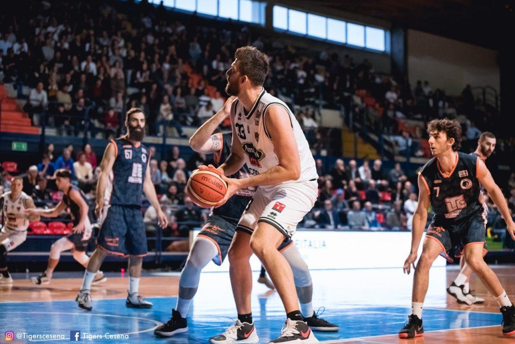 Basket, Cesena vince e accede alle semifinali playoff di Serie B