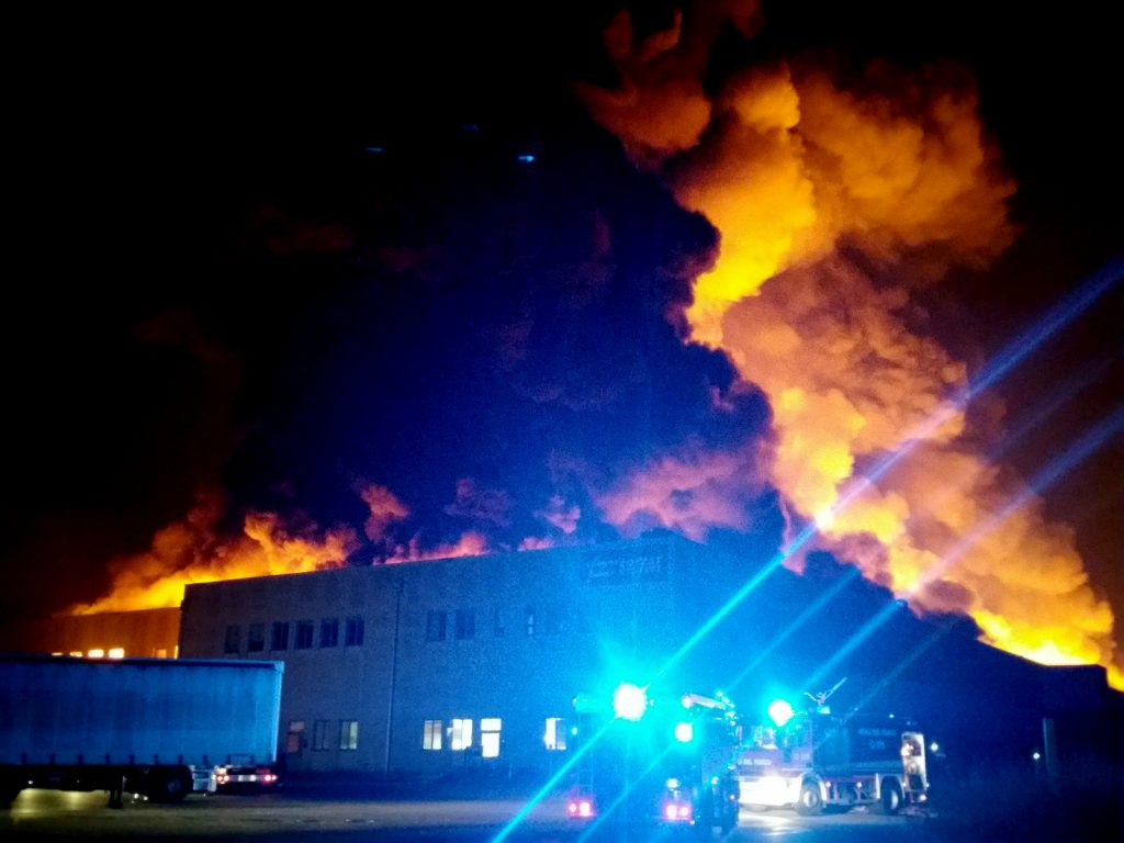 Faenza, incendio nella sede della Lotras system