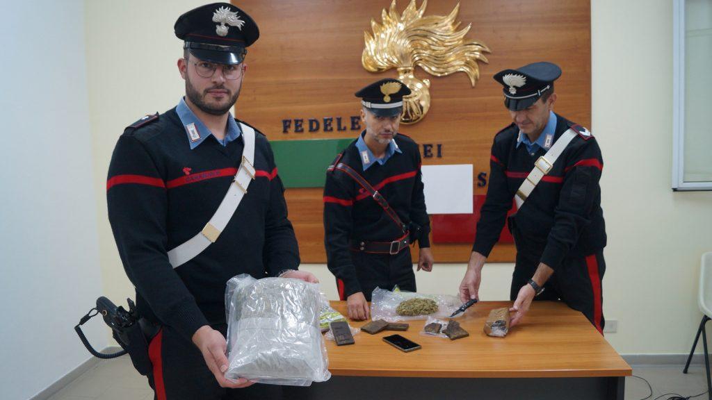 Carabinieri Faenza, sequestrati due chili di stupefacenti. Arrestato un 19enne