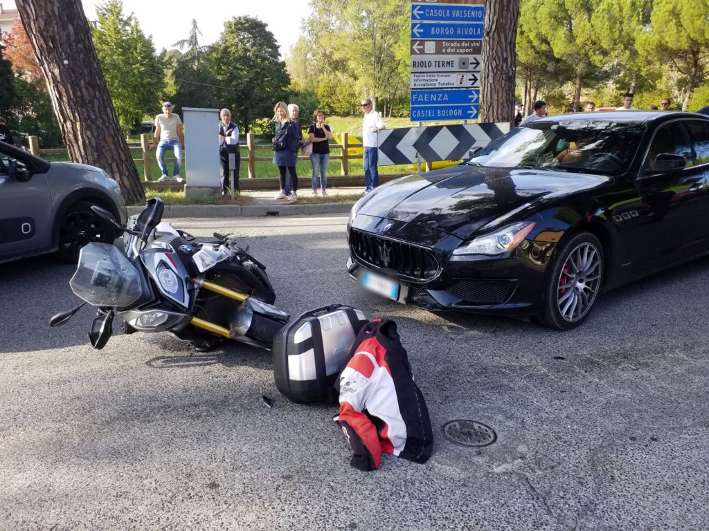 Incidente a Riolo, grave motociclista