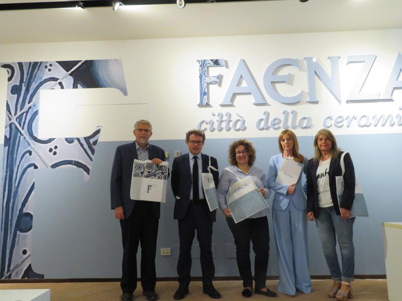 Faenza lancia il suo logo