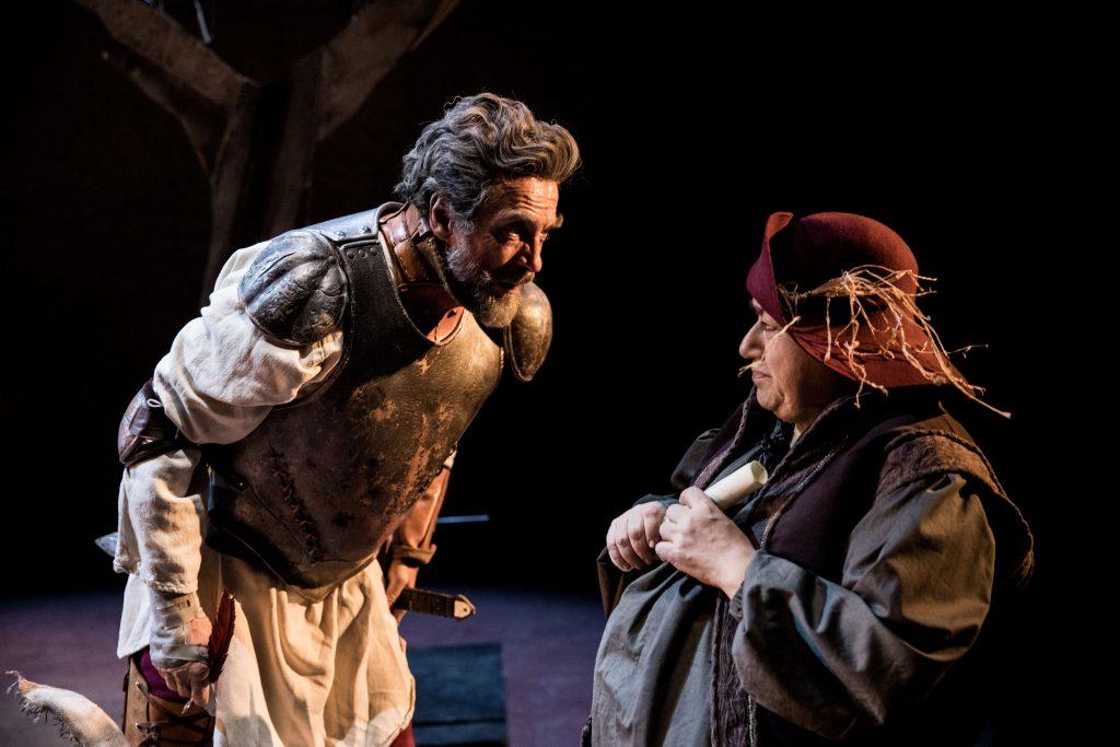 Il Don Chisciotte sul palco del teatro di Forlì