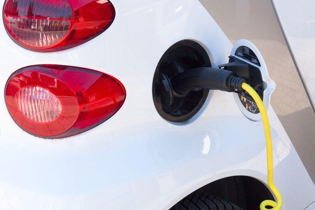 Dall'autunno 17 nuove colonnine per la ricarica delle auto elettriche