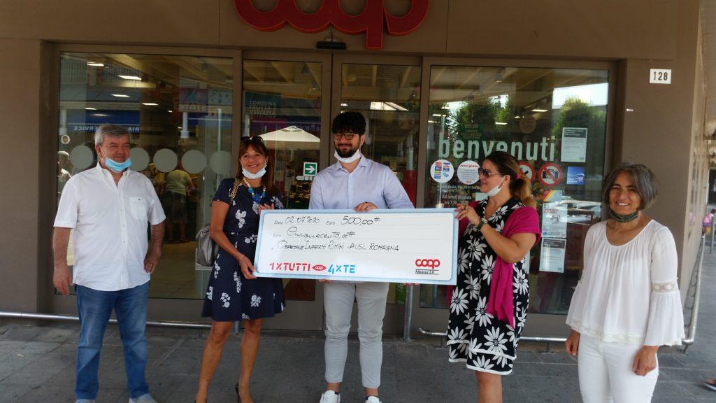 Giovane dona la vincita di un premio all'Ospedale di Rimini
