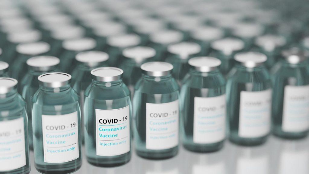 Salvati a Modena 400mila vaccini Moderna messi a rischio da un guasto del camion che li trasportava